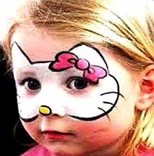 Niña pintacara Hello Kitty