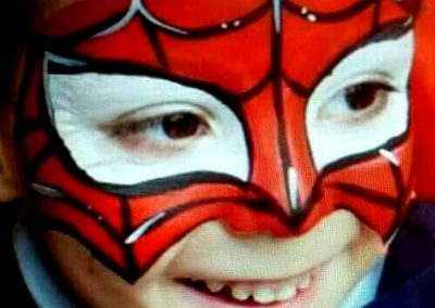 Niño pintacara Spiderman