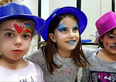 Niños pintacaras